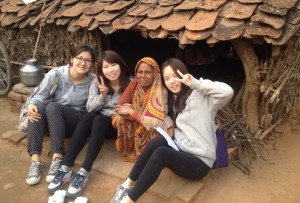SWU students in India for global service-learning.
