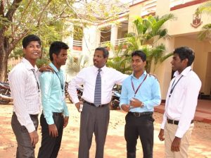 Principal Alex Jesudasan center, welcomes the four Sri Lankan students to the Madras Christian College campus.